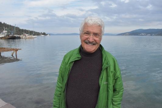 """""""Üçkağıtçı tak tak Sedat""""ın hayatı, biletini sattığı tiyatroyla değişti"""