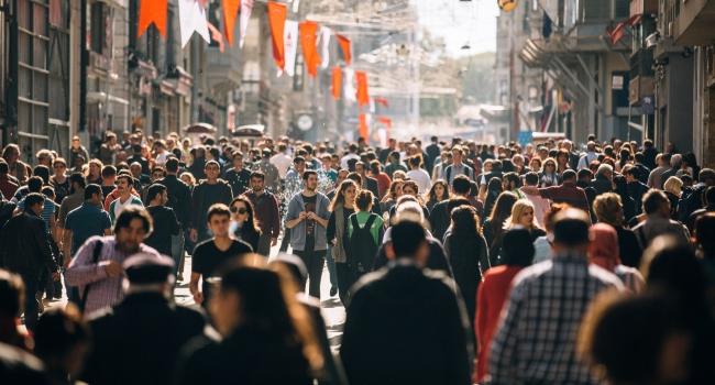 """2019 dünyada """"sokak protestolarının yılı"""" oldu"""