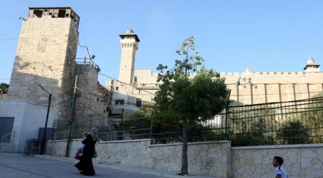 Yahudi yerleşimcilerden Harem-i İbrahim Camiinde provokatif ayin