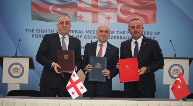 Bakan Çavuşoğlu: Gürcistan ve Azerbaycan ile mükemmel ilişkilerimiz var
