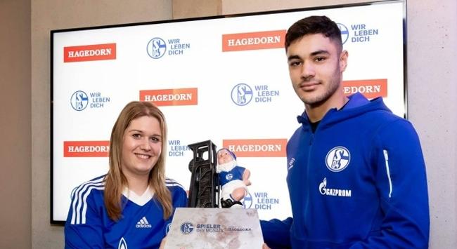 Ozan Kabak ayın en iyi futbolcusu seçildi
