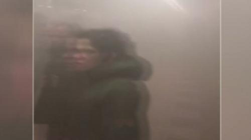 Paris'te Noel öncesi eylemcilerden metro hattına sis bombası