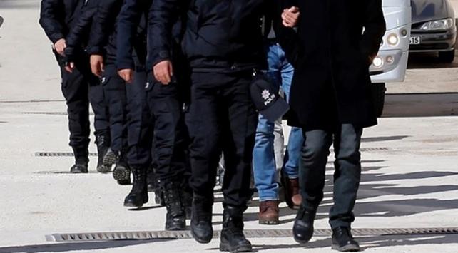 İzmir merkezli FETÖ operasyonunda 43 tutuklama