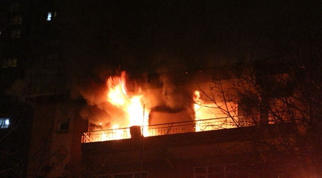 Kadıköyde apartman yangını
