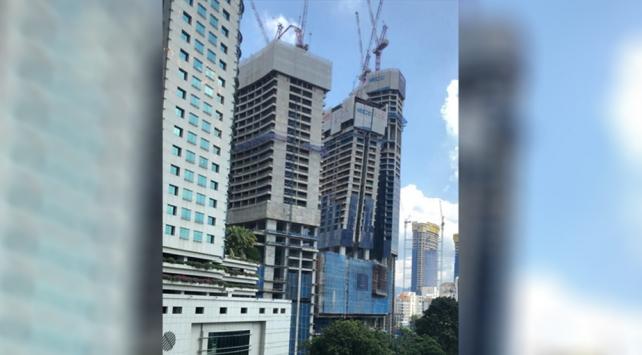 Malezyada eğik mimarili otel inşaatı paniğe neden oldu