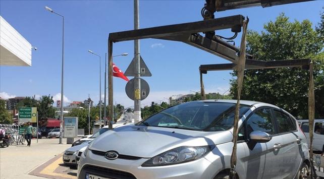 Trafik güvenliğini etkilemeyen araçlar çekilemeyecek