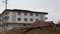 Samsun'da kuvvetli rüzgar nedeniyle iki inşaatın çatısı uçtu