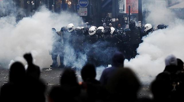 Paristeki polis şiddetine suç duyurusu