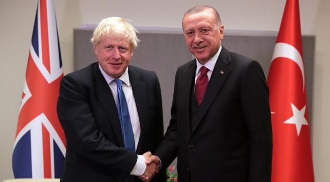 Cumhurbaşkanı Erdoğan, İngiltere Başbakanı Johnson ile Libya ve Suriyeyi görüştü