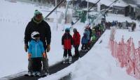 Kartalkaya'da kar yağışı etkili oluyor