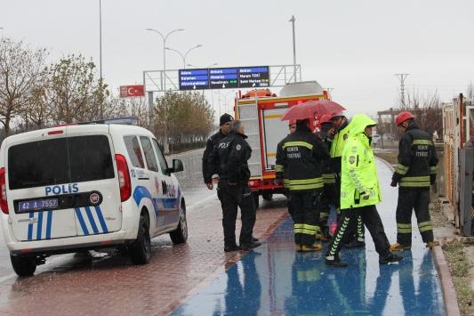 Konyada devrilen otomobilin sürücüsü öldü