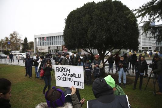 Hayvanseverlerin fayton protestosu Saraçhane Parkında devam ediyor