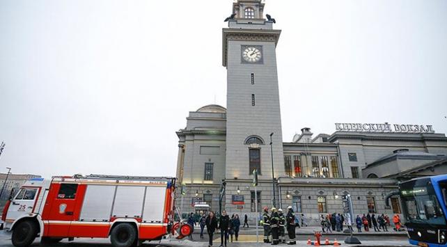 Moskovada bazı okul, mahkeme ve tren istasyonlarına bomba ihbarı yapıldı