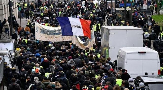 Fransada grevler yüzünden demir yolu şirketi 400 milyon euro zararda