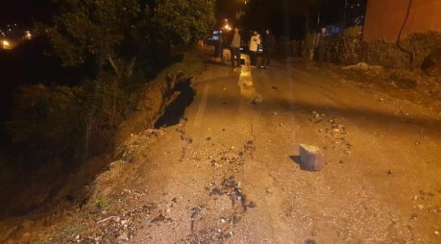 Hatayda aşırı yağış sonucu yol çöktü