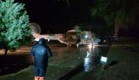 Adana'da sağanak nedeniyle araçta mahsur kalanlar helikopterle kurtarıldı