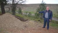 Tekirdağ'da mezarlıkta define aradıkları iddia edilen şüphelilerin yakalanması için çalışma başlatıldı