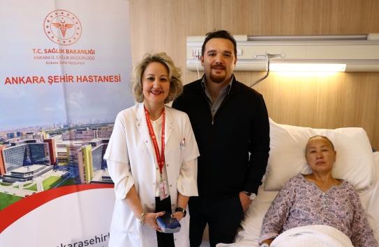 Parkinsonlu Kırgız hasta Türkiyede sağlığına kavuştu