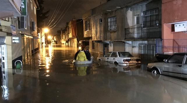 Adanada 4 ilçede metrekareye 250 kilogram yağmur düştü