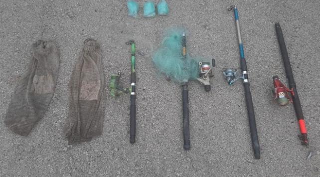 Kastamonuda yasak usulle avlanan 4 kişi yakalandı
