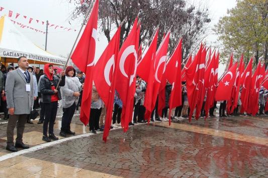 Gaziantepin düşman işgalinden kurtuluşunun 98. yılı kutlandı