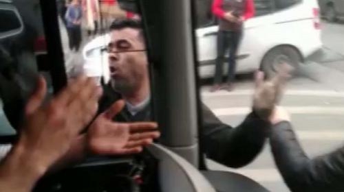 İçi yolcu dolu İETT otobüsüne saldırdılar