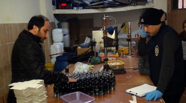 İstanbuldaki operasyonda 147 bin 806 adet sahte parfüm ele geçirildi