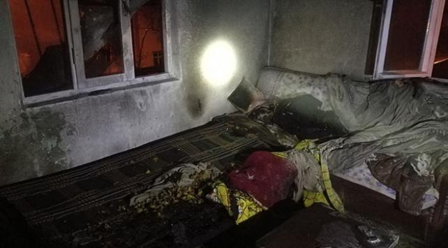 Düzcede bir evde çıkan yangın söndürüldü