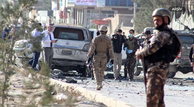 Afganistanda bomba yüklü araçla saldırı: 6 ölü