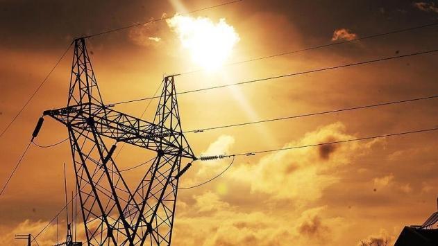 Orduda fırtına enerji nakil hatlarına zarar verdi