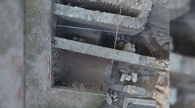 """Hadrianaupoliste 1800 yıllık """"adak levhası"""" bulundu"""