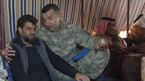 TSK bombalı saldırıda kızını kaybeden Suriyeli babanın yanında