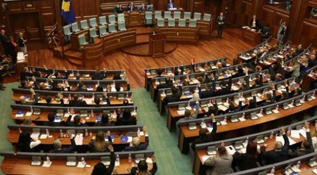 Kosovada yaklaşık 3 ay sonra yeni meclis başkanı seçildi