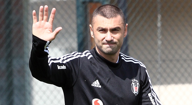 Burak Yılmaz 2021e kadar Beşiktaşta