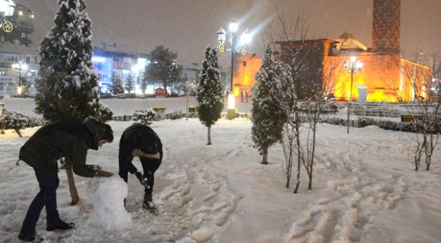 Erzurum beyaz örtüyle kaplandı