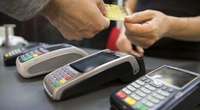 Kredi kartı işlemlerindeki faiz oranlarında indirim