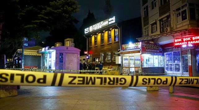 Fatihte bir bekçi meslektaşını silahla yaraladıktan sonra intihar etti