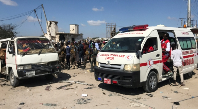 Somalide bomba yüklü araçla saldırı: 80 ölü