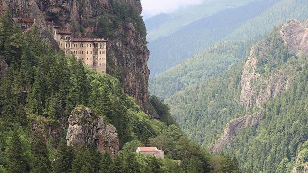 Trabzon turizmden 351,8 milyon dolar gelir elde etti