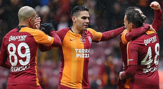 Galatasaray ilk yarıyı farklı galibiyetle tamamladı
