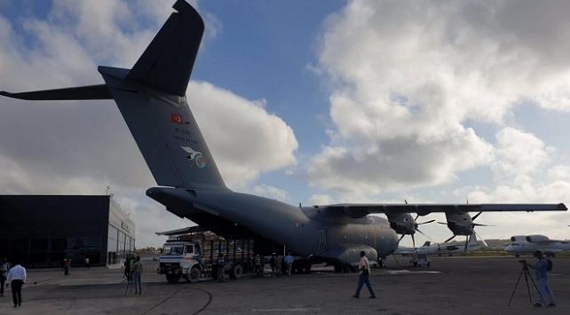 Sağlık personelini taşıyan TSKye ait uçak Mogadişuya ulaştı