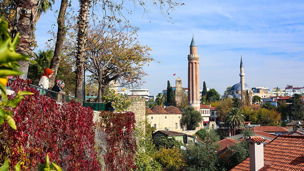 Eşsiz mimarisiyle hayran bırakan tarihi Yivli Minare (Alaeddin) Camii