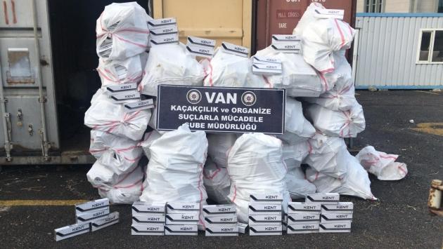 Vanda bir ayda 189 bin paket kaçak sigara ele geçirildi