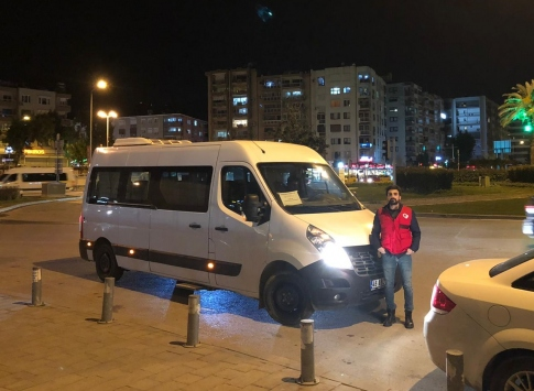 İzmirde Aile, Çalışma ve Sosyal Hizmetler Bakanlığı evsizlere yardım eli uzattı