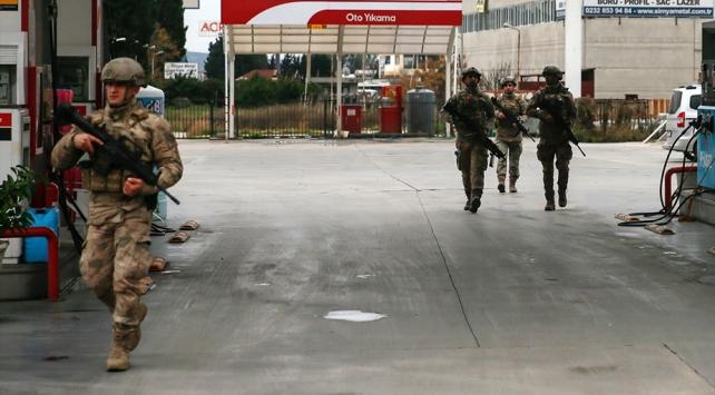 İzmirdeki katil zanlısı yaralı olarak yakalandı