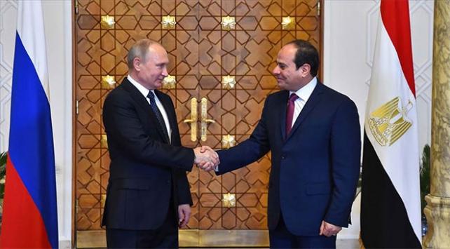 Putin, Mısır Cumhurbaşkanı Sisi ile Libyayı görüştü