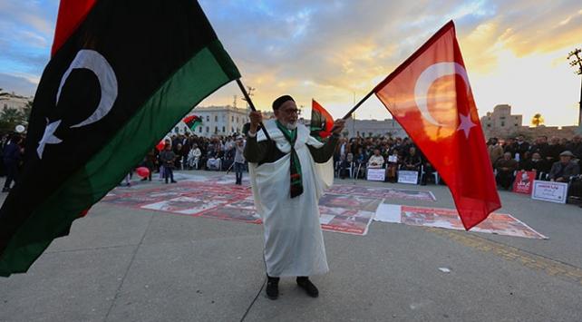 Trablusta Hafter saldırıları protesto ediliyor