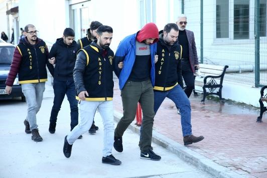 Adanada kapkaç şüphelisi 3 şüpheli tutuklandı