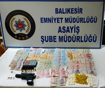 Balıkesirde kumar operasyonunda 12 kişi yakalandı