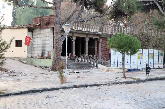 İzmir Kültürparktaki yıkımlara tepki